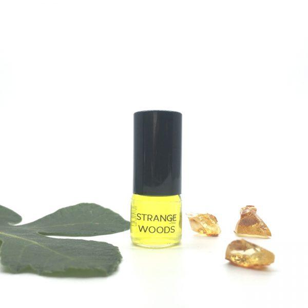 STRANGE WOODS botanical perfume